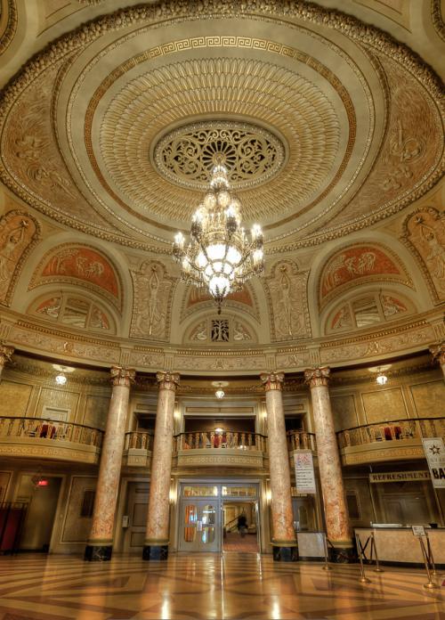 2019-03-12 09_50_44-Rialto Square Theater _ Pete Tsai _ Flickr